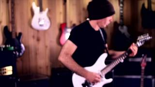 "Joe Satriani ""Satch Boogie"" At: Guitar Center"