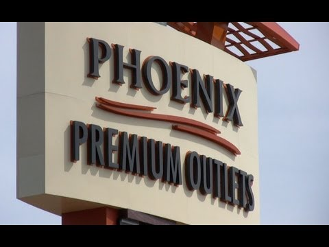 Phoenix Premium Outlets Opens At Wild Horse Pass
