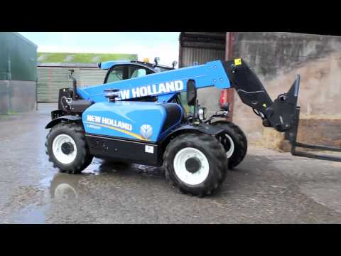 New Holland LM5020 telehandler in action