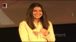Shah Rukh Khan - Imtiaz Ali - Anushka Sharma At Trailer Launch Of Film Jab Harry Met Sejal thumbnail