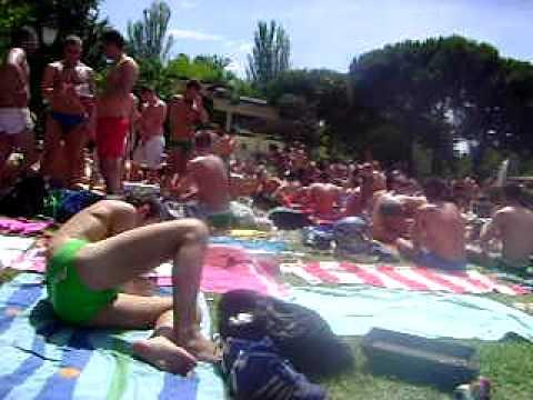 Piscina municipal el lago in madrid doovi for Piscina municipal casa de campo