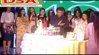 Gambar cover Rashmi Sharma| Big Announcement| AKB48| Celebrating | Dance | Shilpa Shinde|MUM48|Full Video