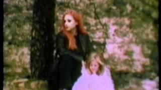 Смотреть клип Fangoria - Me Odio Cuando Miento