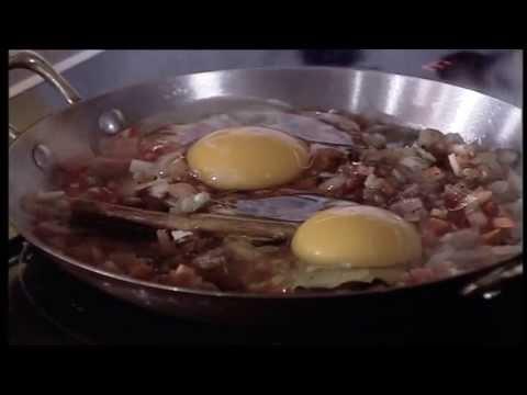 مقلاة بيض وسجق بالعدس - الشيف أسامة