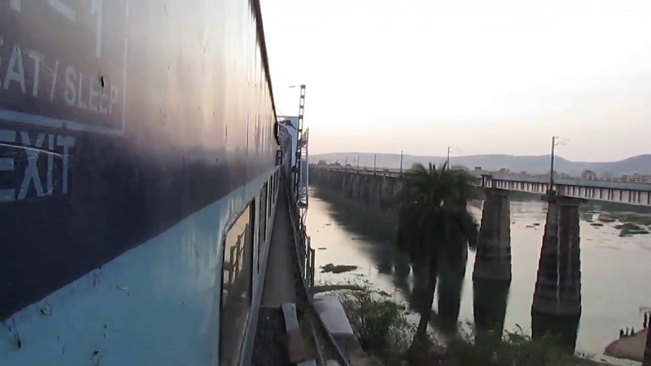 12615 Grand Trunk SF Express crossing Narmada river bridge