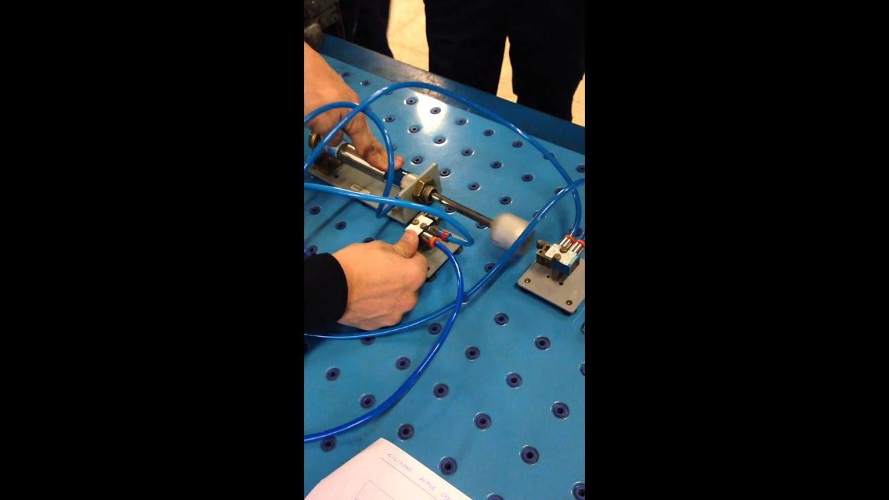 Circuito Neumatico Simple : Circuito neumatico con cilindro de doble efecto con interruptor