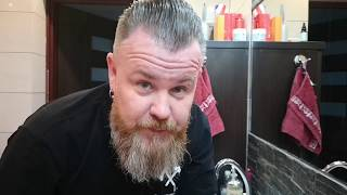Jak układać i prostować krótką brodę oraz szybko ułożyć włosy