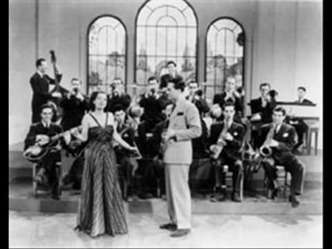 Artie Shaw with Helen Forrest -- Deep Purple.wmv