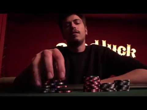 В покер играют в казино