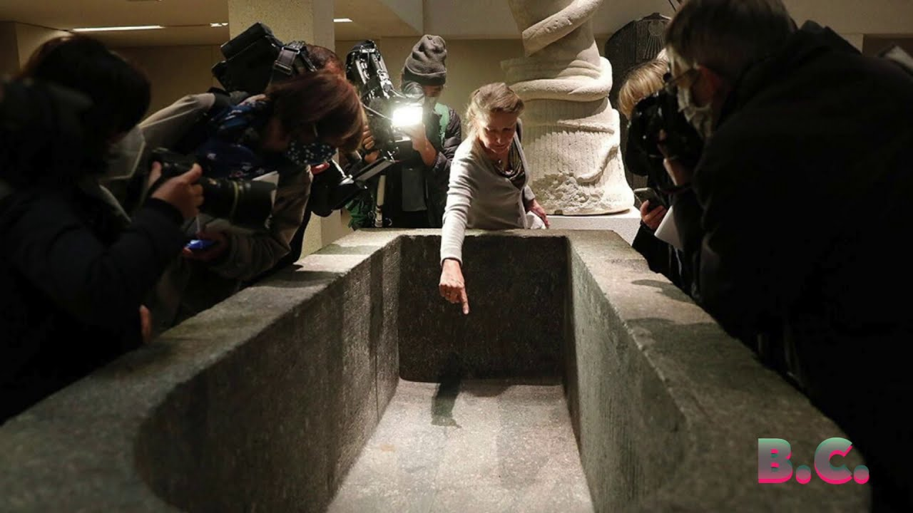 MIRROR: Berlin mystery attack targets 70 museum artefacts