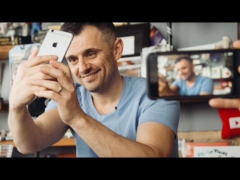 MY SOCIAL MEDIA MARKETING AGENCY | DailyVee 204