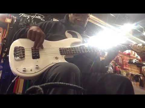g l kiloton tribute a nice passive stingray style bass youtube. Black Bedroom Furniture Sets. Home Design Ideas