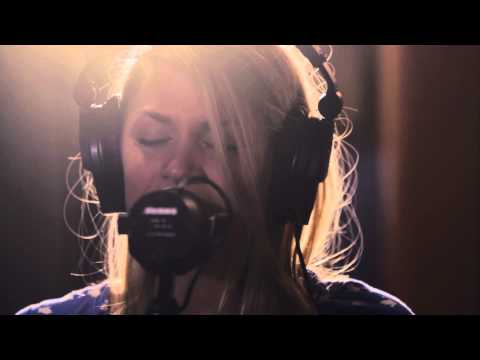 """Daydream"" - Jillian Edwards // Brite Session"