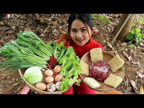Awesome Cooking Ramen Eggs With vegatables Recipe Prepared In My Village - Village Food Factory