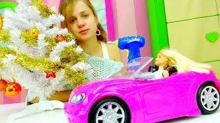 Куколка Барби готовит новогодние подарки. Новогодние видео про куклы и игрушки для девочек(Любишь #новогодние видео про #куклы и #игрушки для девочек? Тогда скорее смотри, как #куколка Барби готовит..., 2016-11-25T08:46:37.000Z)