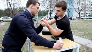 видео Тренировки в армрестлинге: основные положения