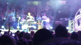 Garth Brooks with Trisha Yearwood World Tour Chicago 19 Callin