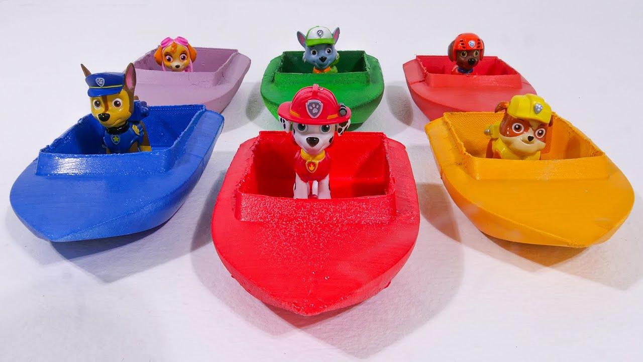 बच्चों के लिए सर्वश्रेष्ठ टॉय लर्निंग वीडियो - Paw Patrol Boats Water Play!