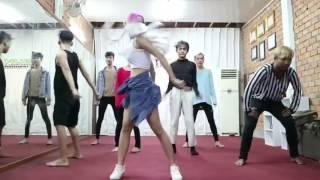 Video ដើរវាយ (Der Vai) - Ra Bee | Dance version | Ra Bee Town download MP3, 3GP, MP4, WEBM, AVI, FLV November 2018