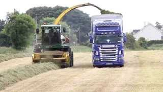 Repeat youtube video 1 Field,4 Trucks, 5 tractor's.