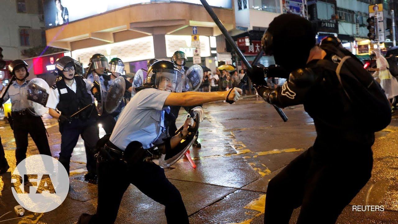 Hồng Kông tung xe chống bạo động, bắt tổng cộng 36 người