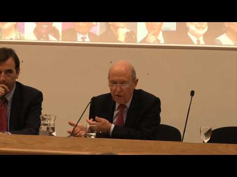 The European Debt Crisis: the Greek case