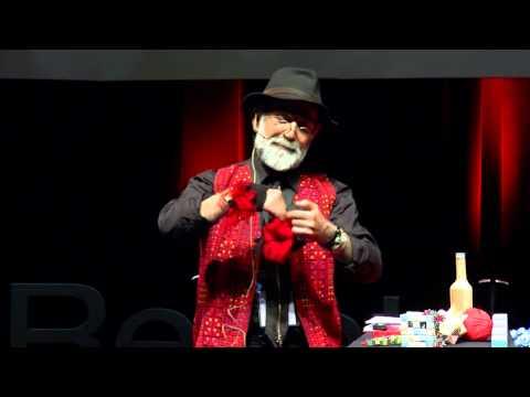 Ah su tasarım işçiliği: Oruç Çakmaklı at TEDxReset 2014