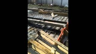 видео Монолитная плита на ленточном фундаменте