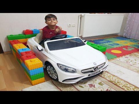 Çınar Efe lego bloklarla akülü arabası için garaj yaptı.Lego blocks car garage, ride on power wheels
