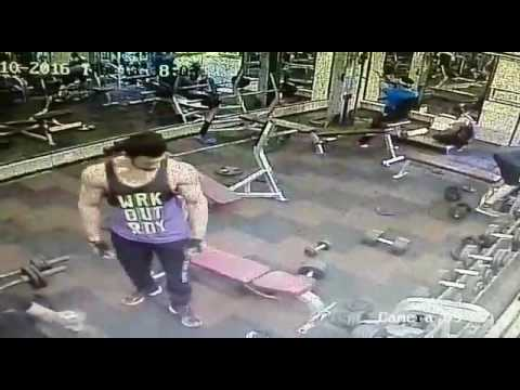 Gold's Gym Noida - Sector 30 Trainer assaulted member