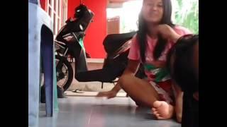 Download Video Sepasang cewek lesbi.. Di jamin enak deh-,- MP3 3GP MP4