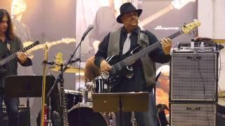 Frank Russell celebrates 20th Anniversary of Lakland: LAKLAND DREAMS