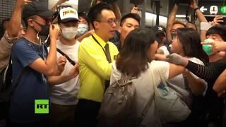 Cancelan más de 200 vuelos y suspenden la mayoría de las líneas del metro en Hong Kong por la huelga