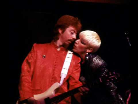 Eurythmics 44 In Leather Live 1981 Youtube