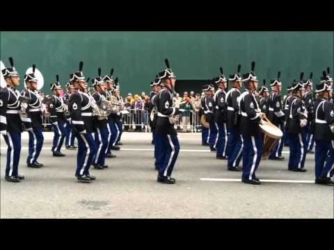 GLIMPSE INTO 2015 VETERANS DAY PARADE ON 5TH AVENUE IN MIDTO