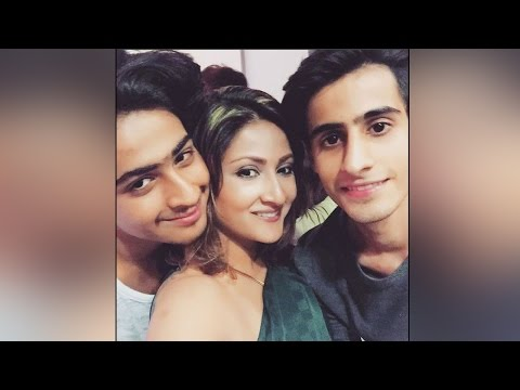 Urvashi Dholakia celebrates 21st birthday of twin sons, watch here | Filmibeat