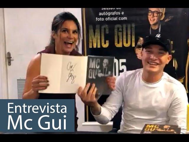 Mc Gui - Tarde de autógrafos e lançamento de Livro