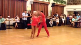 Это реально спортивные танцы!!!(Это реально спортивные танцы!!! Этот танец такой ритмичный, что танцорам нужно много энергии чтобы его испол..., 2015-05-25T03:21:30.000Z)
