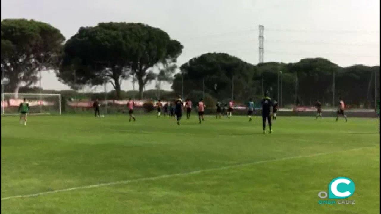 Excepcional Entrenamiento De Fútbol Reanudar Objetivo Fotos ...