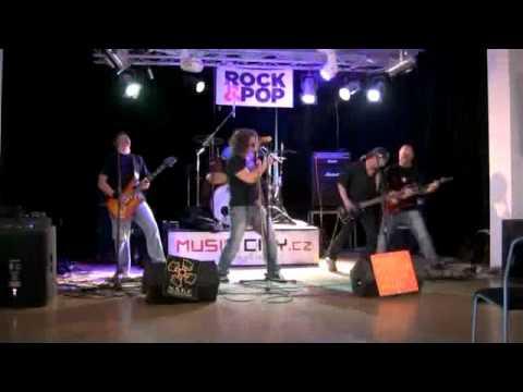 Play OffSTARMUSIC Skutečná liga RockPopHard Rain on Vimeo black zubata