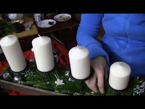 weihnachtsdekoration klassischen adventskranz schm ck doovi. Black Bedroom Furniture Sets. Home Design Ideas