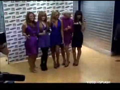 Girls Aloud   Photocall To Launch Samsung F210 Purple