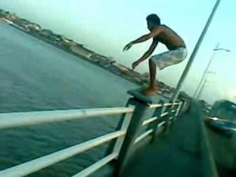 galera da rua zero pulando da ponte Jose Sarney  (sao luis-ma)