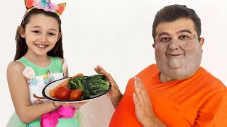 Öykü teaches Daddy to eat and exercise properly   funny kids