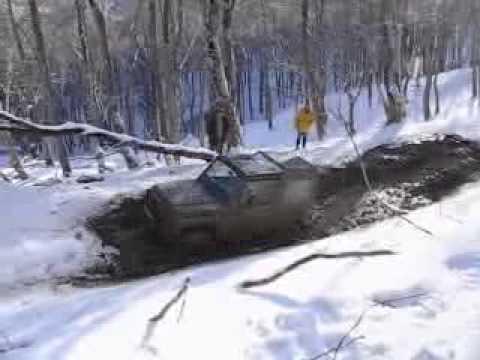 Suzuki Samurai off road
