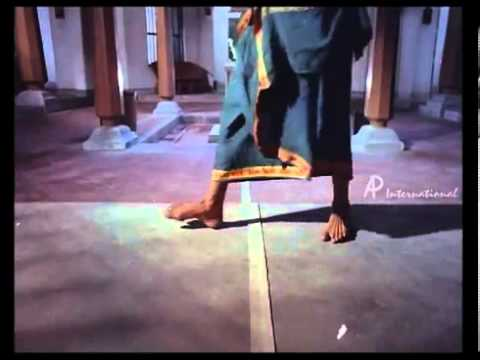 Samsaram Adhu Minsaram   Full Song   YouTube0