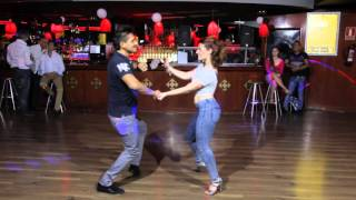 Bachata sensual | Cesar y Mary | Cancioncitas de amor - Romeo Santos