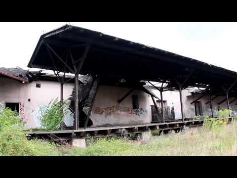 Na dworcu PKP w Szczecinku podróżnych wita ruina