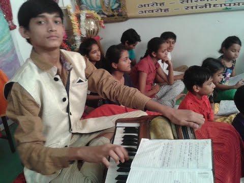 Rajasthani Folk Song - Aave Hichki sung by Master Nishad