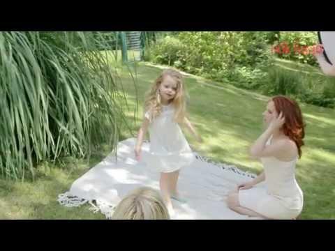 Címlapfotó  Dobó Kata és kislánya, Szofi